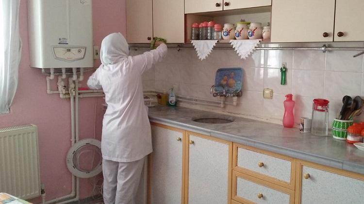 Ev temizliği hizmeti devam ediyor