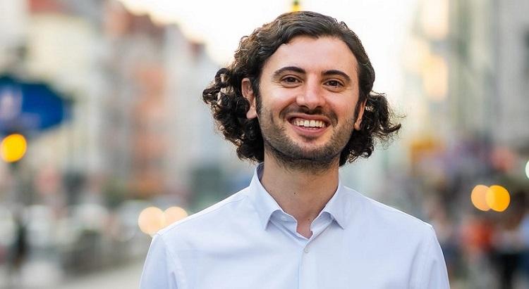 Almanya'da milletvekili seçildi