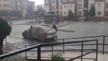 Doludan arabalarını böyle korudular