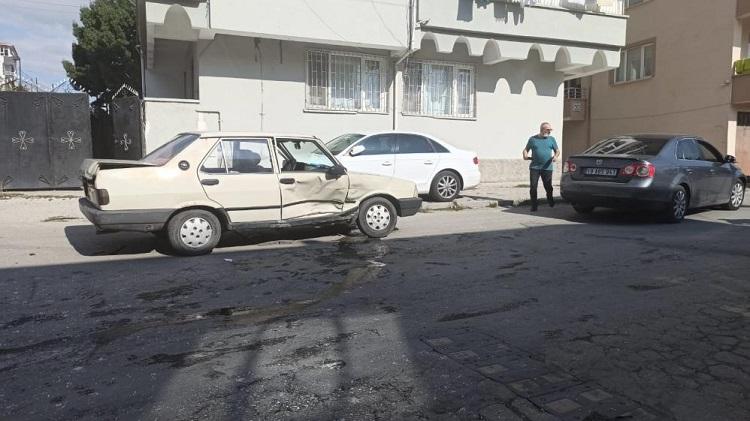 Kaza ucuz atlatıldı 1 yaralı