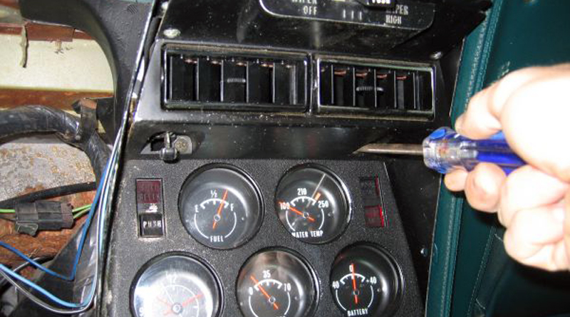 1972 Corvette Radio Wiring Diagram Center Console Removal The Corvette Restoration Page