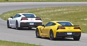 2014 C7 Corvette Stingrays on the track. Image: GM Communications