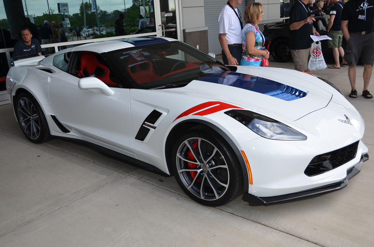 2017 corvette grand sport heritage package in arctic white corvette action center. Black Bedroom Furniture Sets. Home Design Ideas