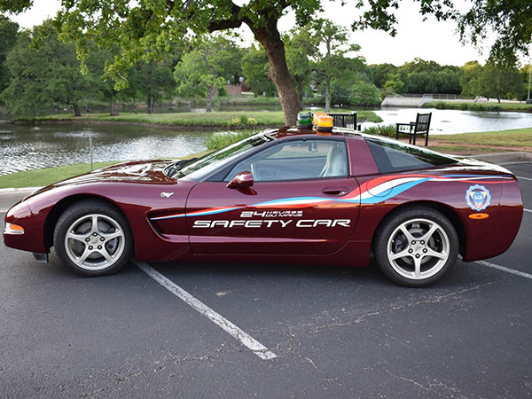 2003 Chevrolet Corvette 50th Anniversary Coupe - 24 Hours of Le Mans Safety Car