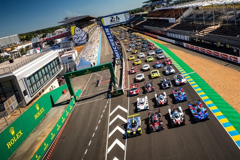 Rolex 24 Hours of Le Mans Race Start