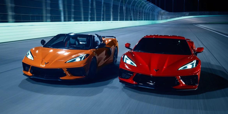 2022 Corvette showing Amplify Orange on the left