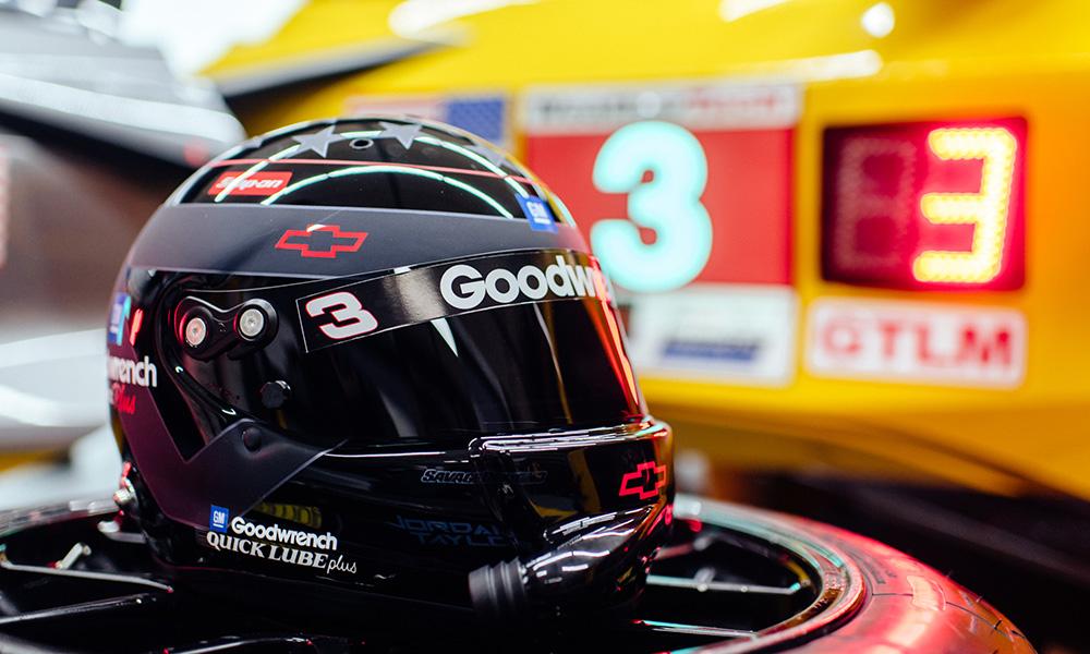 Dale Earnhardt Sr. inspired helmet | Photo: Jamey Price
