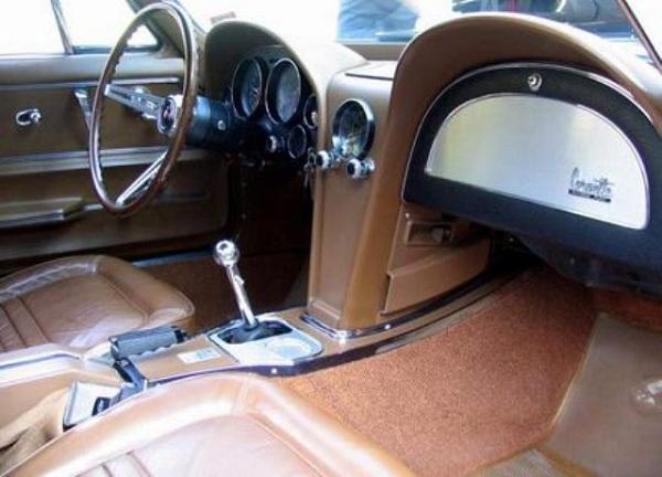 1967 Chevrolet Corvette 427-6.jpg