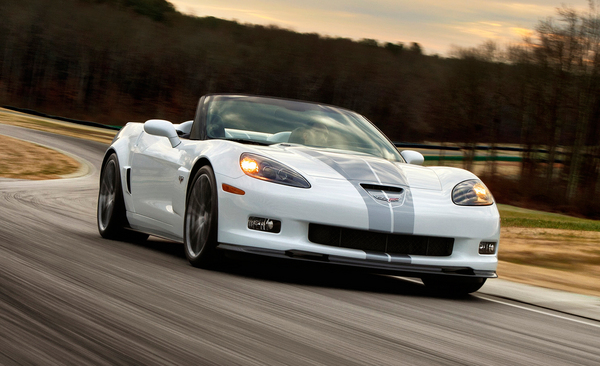 2013-chevrolet-corvette-427-convertible-and-60th-anniversary-package.jpg