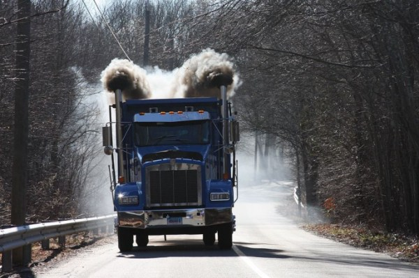 thump_truck_kenworth_drag_racing_dump_truck86-685x456.jpg