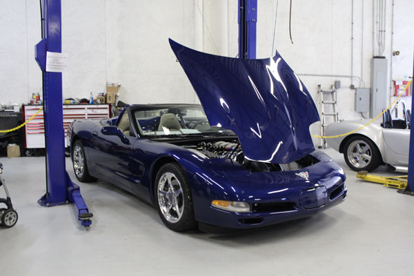 vette-prepped-for-engine-sw.jpg