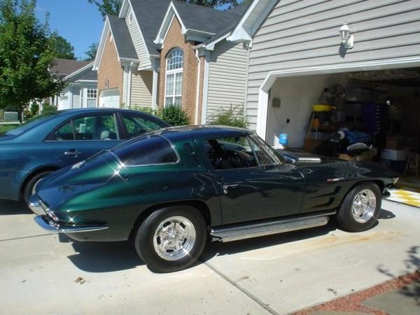 1963-Chevrolet-Corvette Sting Ray (37)