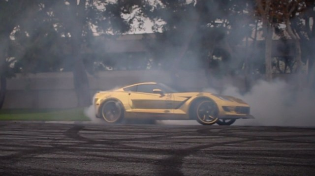 gold-chrome-wrapped-corvette-is-as-flashy-as-they-come-video-photo-gallery_14