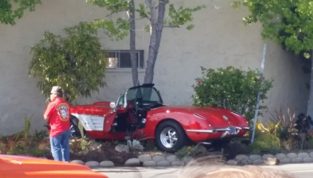 classic-corvette-crashes