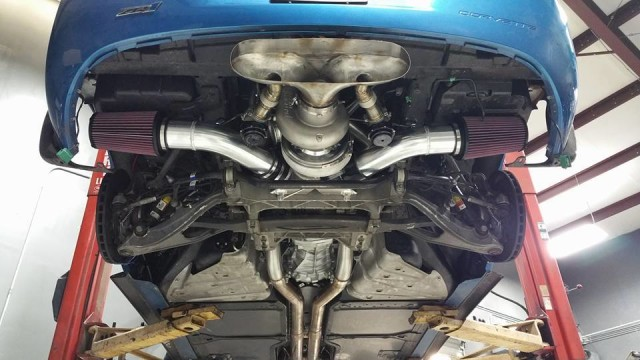 insane-exhaust-system-is-made-from-a-huge-turbo-with-two-cone-air-filters_2