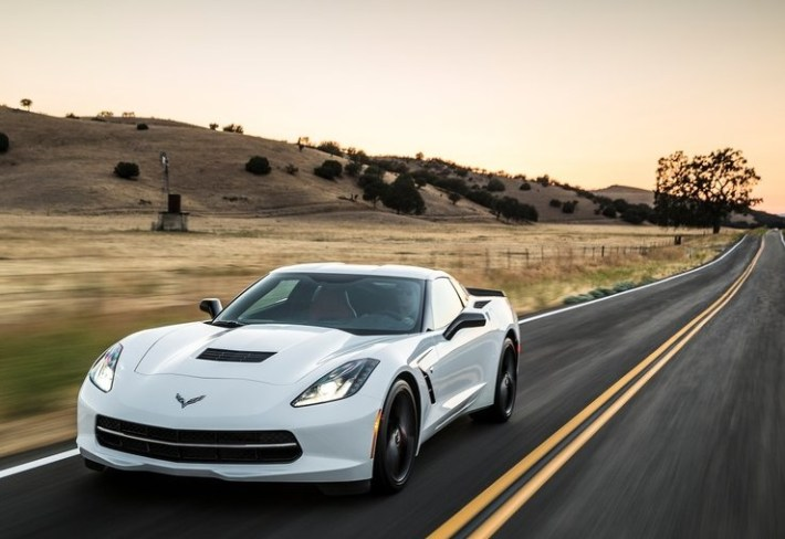 Chevrolet-Corvette_C7_Stingray_2014_800x600_wallpaper_05