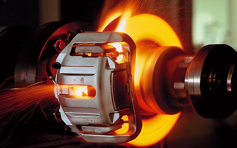 racing-brake-fluid-and-brake-equipment-