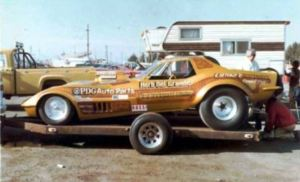 Altered wheelbase drag race Corvette