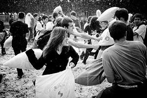 Battaglia dei cuscini al Parco Sempione@02 Aprile 2016