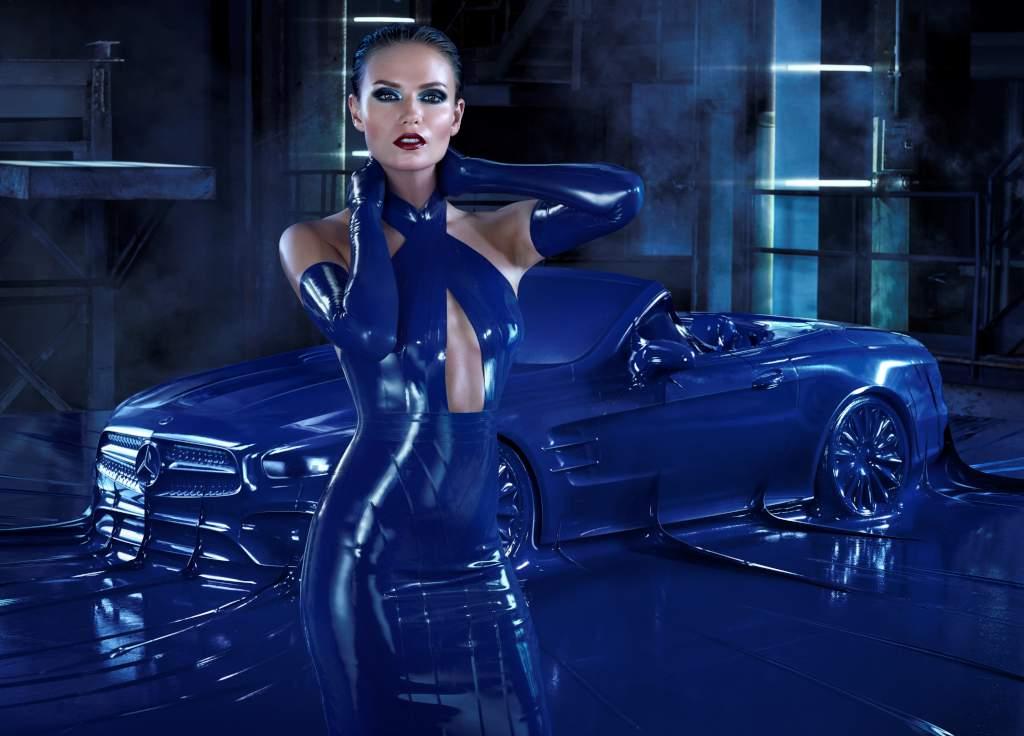 Mercedes-Benz presenta la nuova SL alla Milano Moda Donna