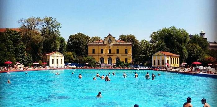 Piscine aperte a partire dal weekend del 2 giugno, a Milano riparte la stagione dei tuffi
