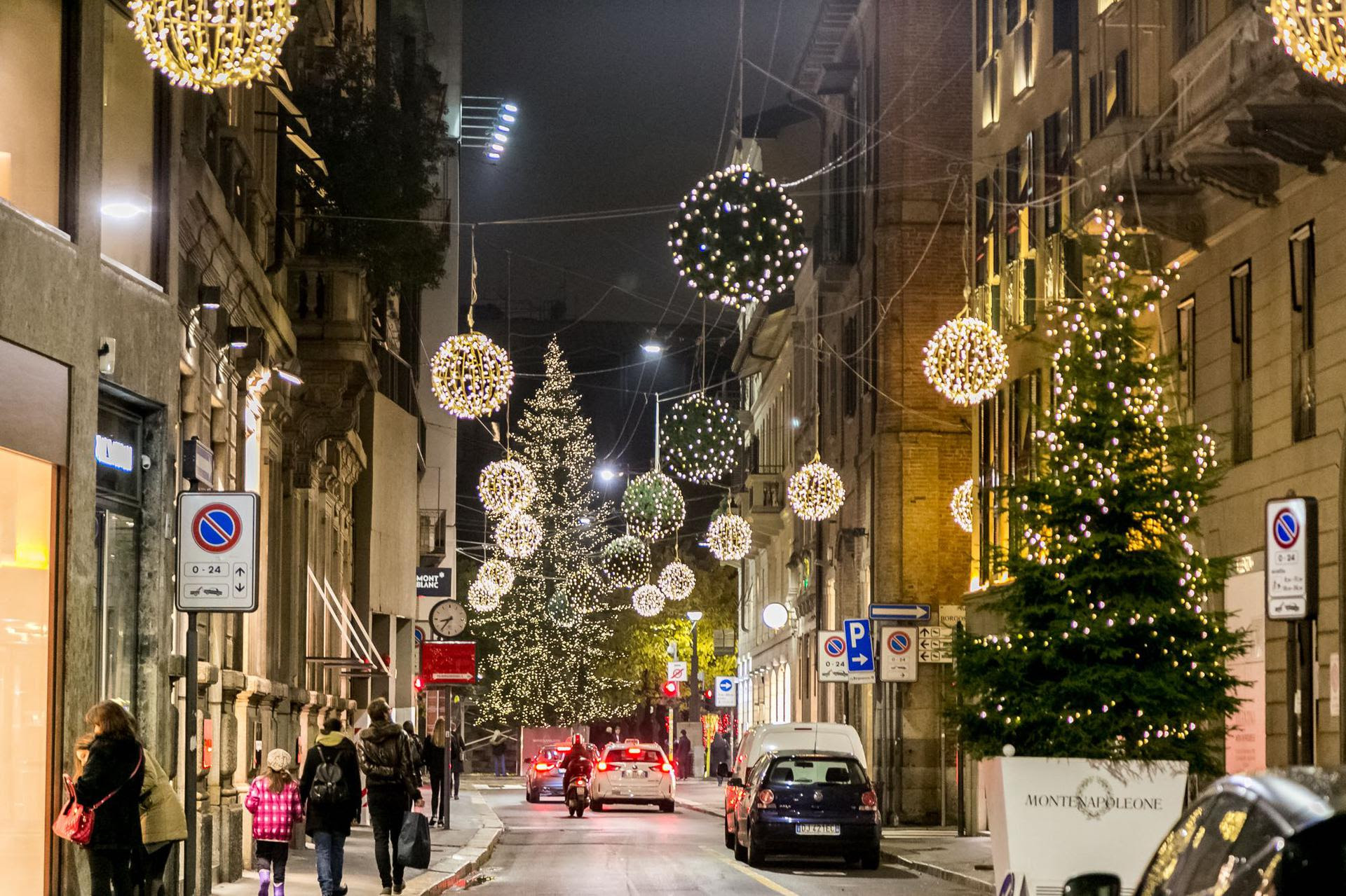 Al via la christmas shopping experiene 2019 Montenapoleone District