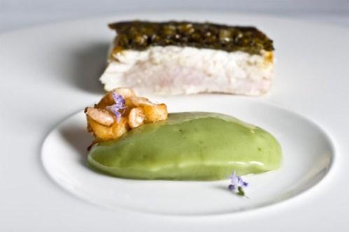 Plato con lisa de estero de A Poniente. Foto: Cedida por el restaurante A Poniente