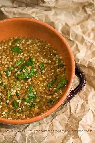 Zuppa di lenticchie e grano saraceno