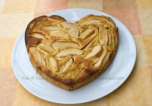 torta di mele a cuore