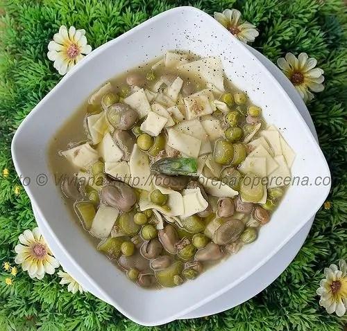 minestra di piselli primaverile