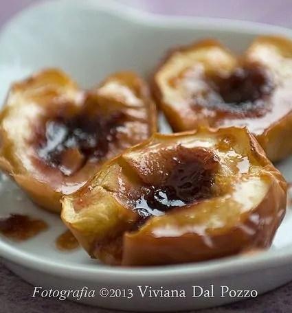 Mele al forno caramellate all'uva fragola e la cancellatrice notturna dei commenti :(
