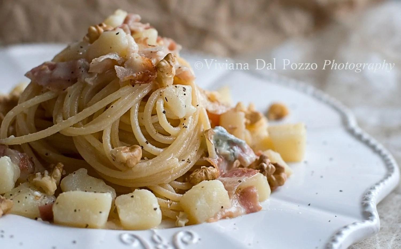 Pasta e Patate e pancetta e gorgonzola e noci