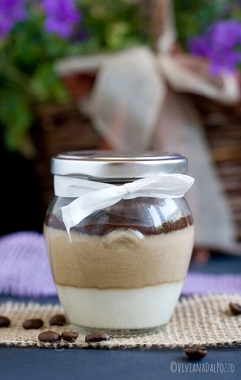 Vasetti al Caffè, con panna e cioccolato bianco e nero
