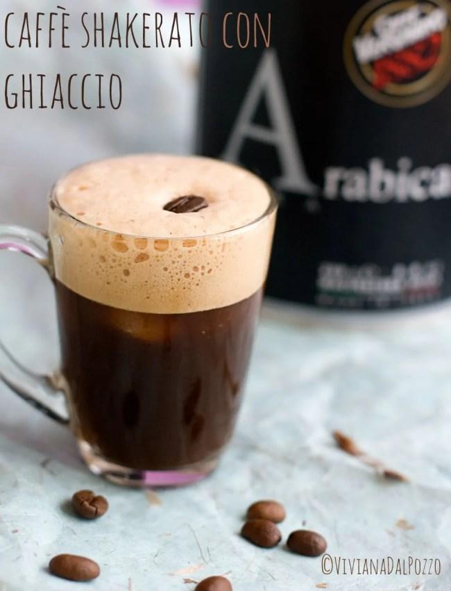 caffè shakerato con ghiaccio