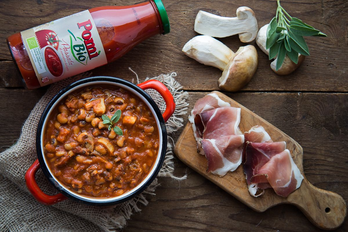 Zuppa di Fagioli all'occhio con Speck e Porcini