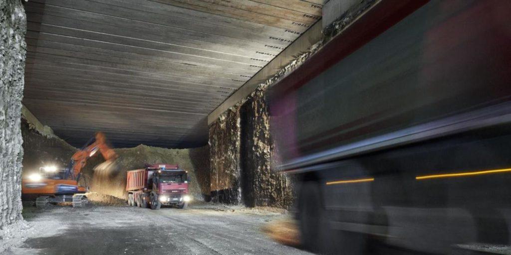 foto C: Lavori di scavo per la nuova ferrovia