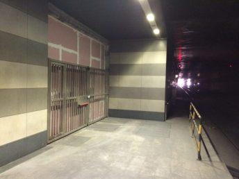 foto A: interno della stazione Rebaudengo nella zona confinante con l'ampliamento