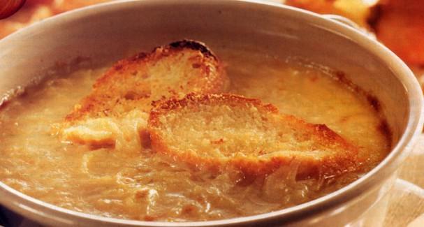 Zuppa di cipolle alla parigina