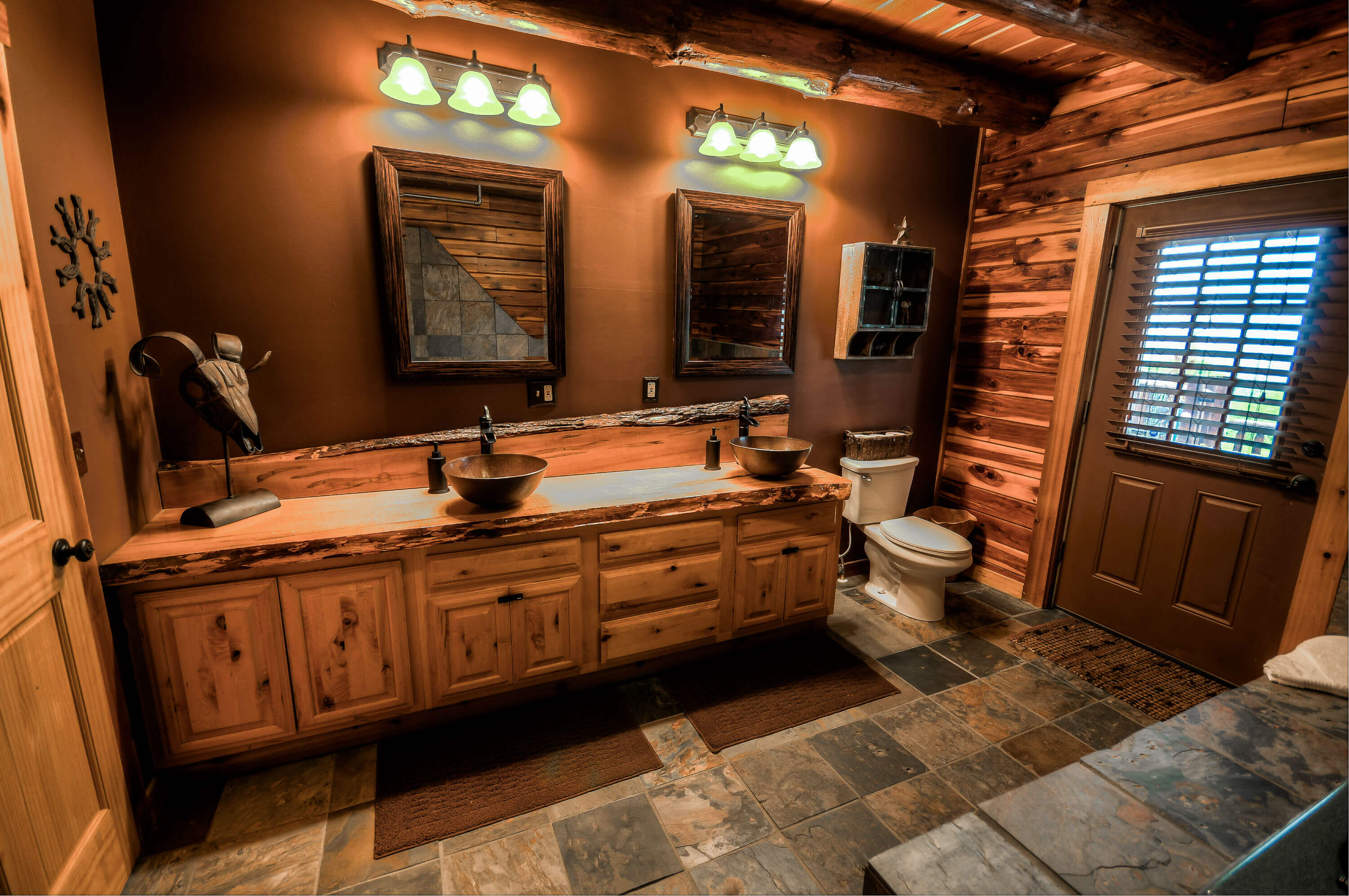 Luxury Cabin Rental in Amish Country  Coshocton Crest Lodge