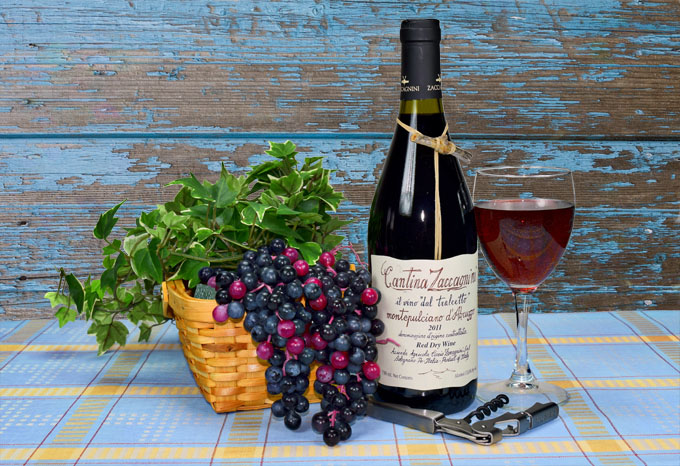 Montepulciano D'Abruzzo Still Life - Photography and graphic design by Eligio Bucciarelli