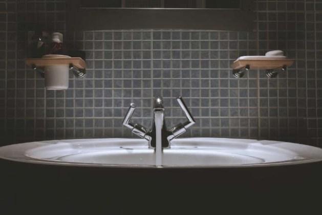 aunque un cosmético no lleve agua está presente en todo su ciclo de vida