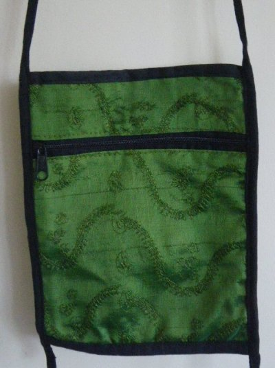 Sari Passport Bag Moss