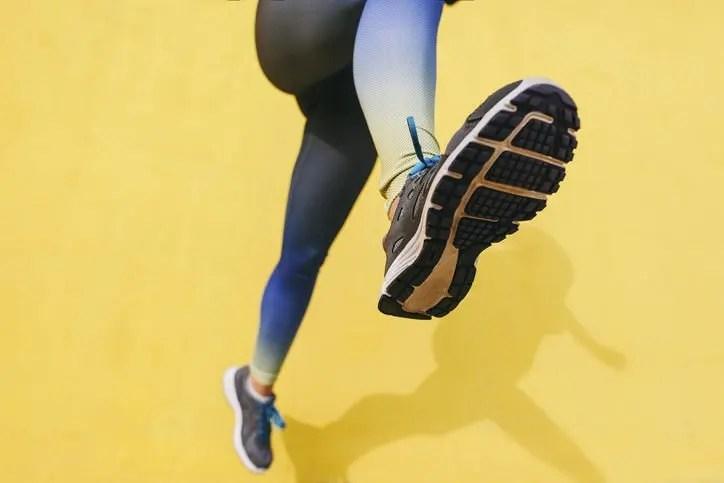 腳生疣怎樣辦?教你分辨雞眼與疣|醫生詳解兩者成因及治療根治方法