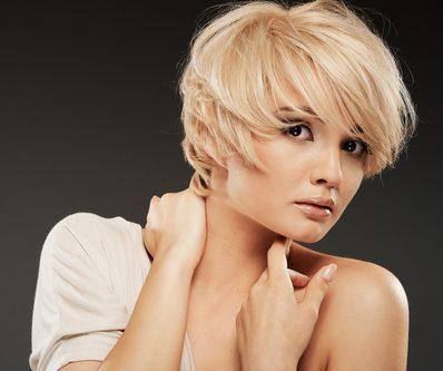 Frisuren die verjngen  Tipps fr die Frau ab 40