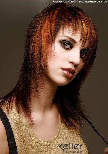 Frisuren Bilder StufenCut mit herbstlichem Farbhauch
