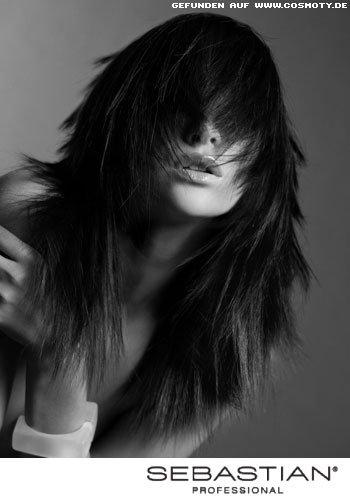Frisuren Bilder Volumenschnitt mit weichen Stufen und