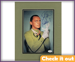 Frank Gorshin Signed Riddler Photo.