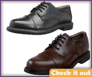 Dress Shoes (brown or black).
