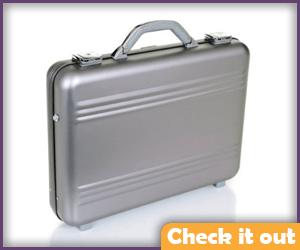 Aluminum Carrying Case.