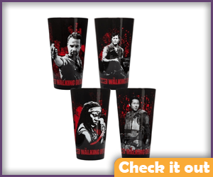 The Walking Dead Glass Set.